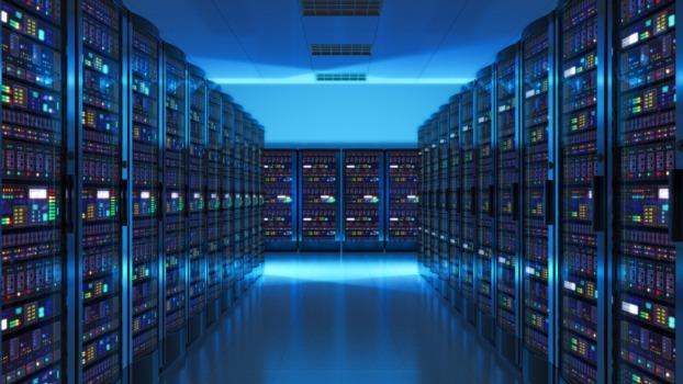 Configuración de servidores linux para hostear sitios o aplicaciones web.