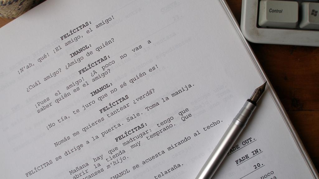 Redacción de guiones de audio, video, cine, teatro
