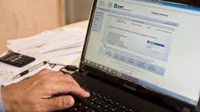 Calculo y presentación de impuestos mensuales