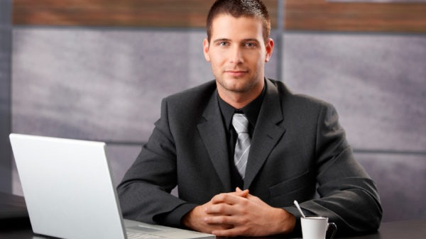 Asistente administrativo virtual